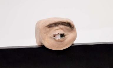 Sẽ ra sao nếu mọi thiết bị ghi hình quanh ta được thay bằng… mắt người?